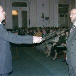 Lovaggá ütnek a budapesti Stefánia Palotában 2004 január 22-én. A Magyar Kultúra Lovagja kitüntetést veszem át